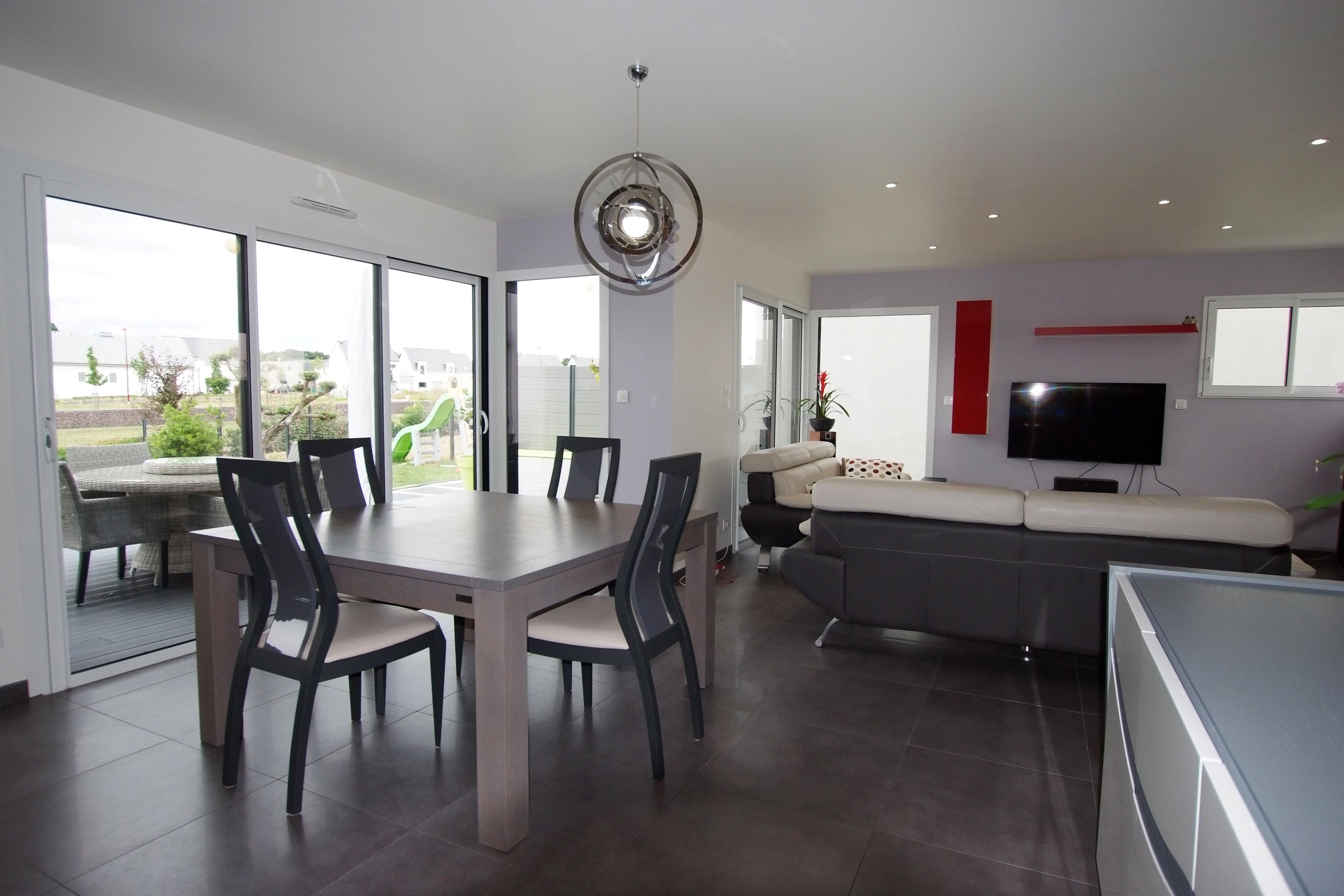 maison monopente toit plat saint gilles. Black Bedroom Furniture Sets. Home Design Ideas