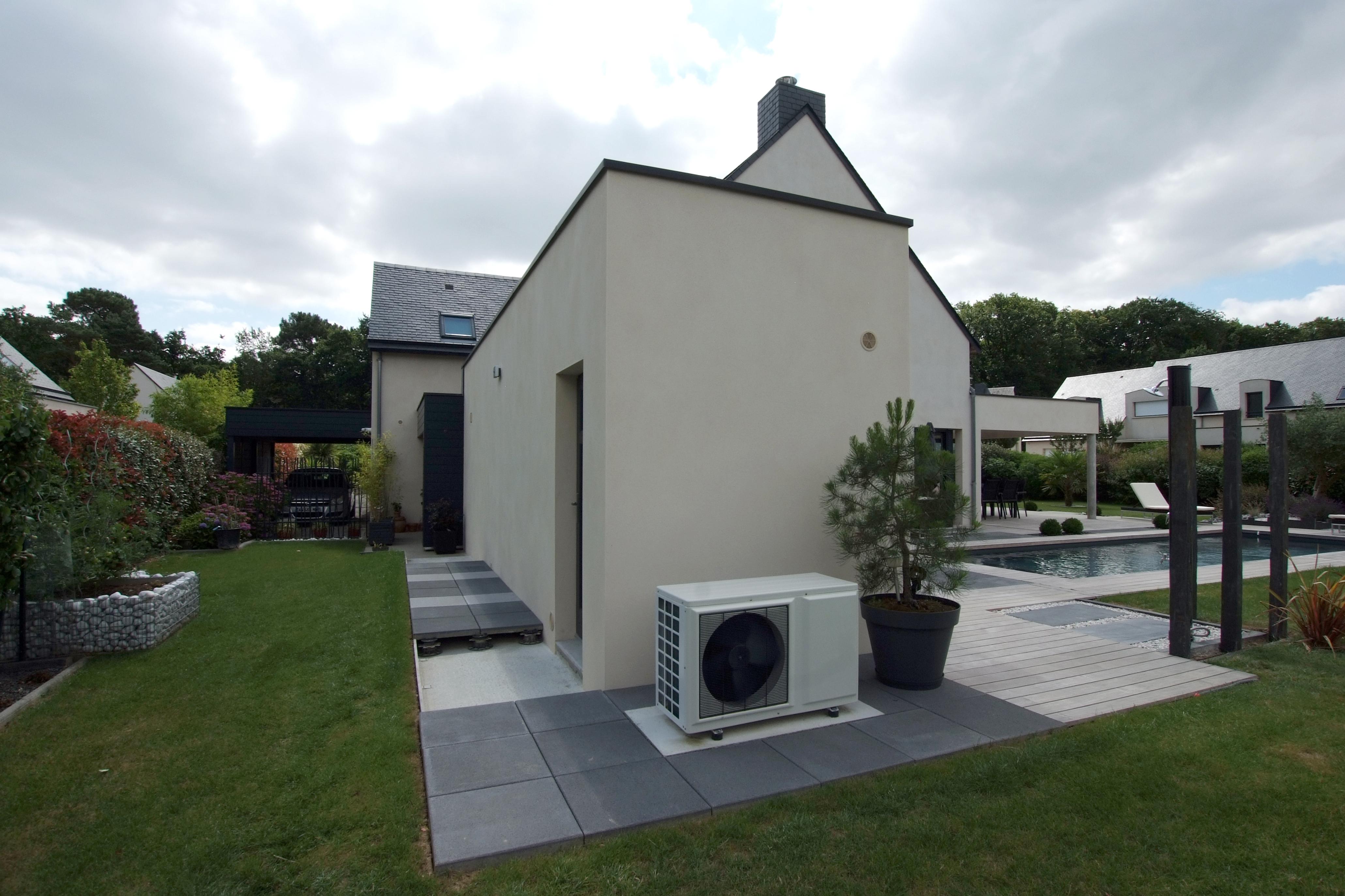 extension en toit plat bruz. Black Bedroom Furniture Sets. Home Design Ideas