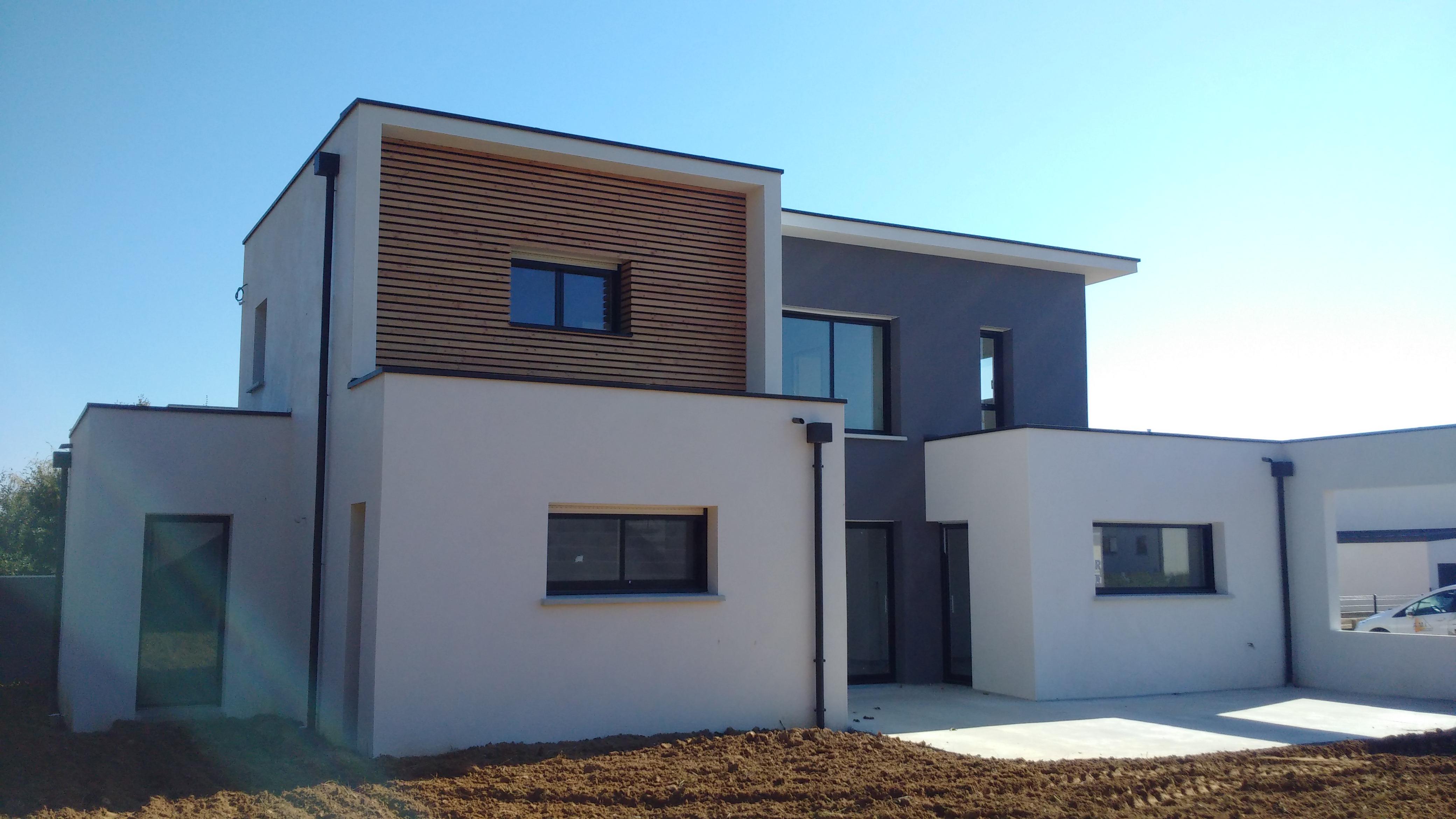 Construction toit plat saint gilles for Porche maison moderne